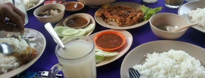 Warisan Pahlawan Seafood is one of @Hulu Terengganu.