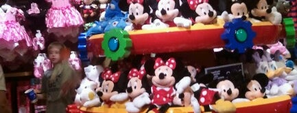 Disney Store is one of Orlando - Compras (Shopping).