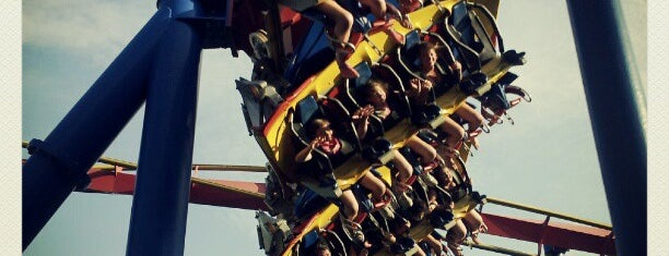 Superman: Ultimate Flight is one of ROLLER COASTERS.