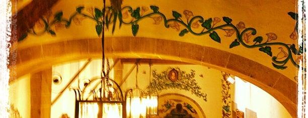 Café de Tacuba is one of Bebidas..