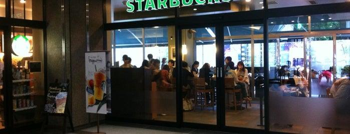 Starbucks Coffee 神宮前6丁目店 is one of Starbucks Coffee (東京23区:千代田・中央・港以外).
