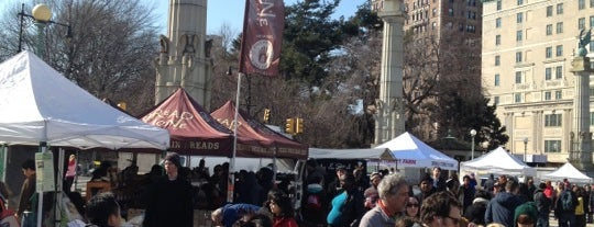 Grand Army Plaza Greenmarket is one of Where to Find the Best Seafood in NYC.