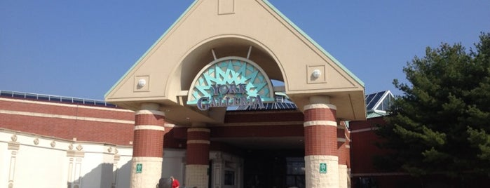 York Galleria Mall is one of York College Student Hotspots.