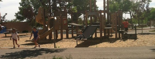 Ragle park is one of Chilling Spots.