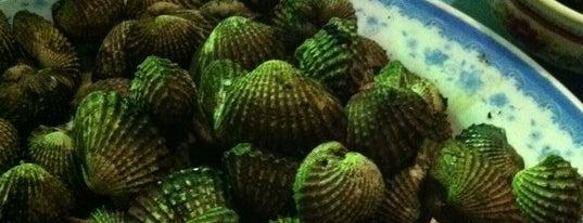 Seafood Huong Thanh (Ốc Gái Sài Gòn) is one of Măm măm ~.^.