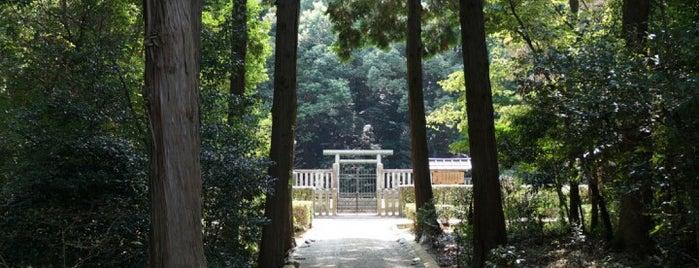 敏達天皇 河内磯長中尾陵 (太子西山古墳) is one of 天皇陵.