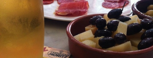 Bodega Bar Costa Brava is one of Vermut-hipes!.
