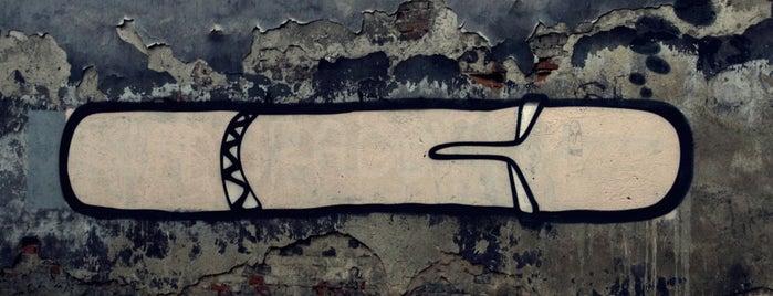 Head na Mostowej is one of Street Art w Krakowie: Graffiti, Murale, KResKi.