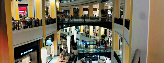 Centro Comercial Colombo is one of Jkvjnjkk.
