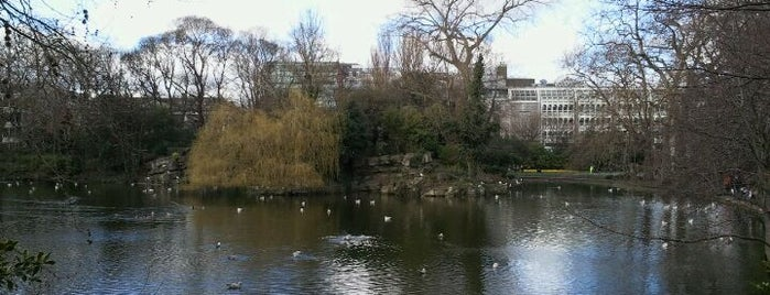St Stephen's Green is one of Dublin Tourist Guide.