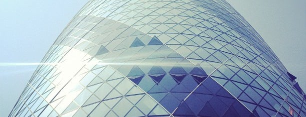 30 St Mary Axe is one of Posti da vedere a Londra.