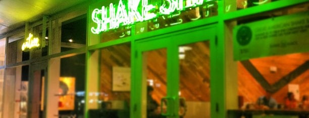 Shake Shack is one of Visit to Miami.