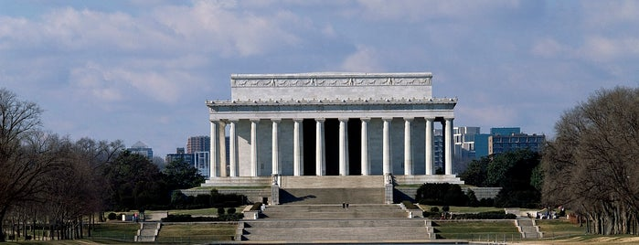 Lincoln Memorial is one of National Mall Tour.