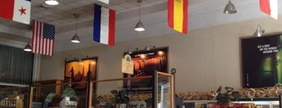 Grand Deli Gourmet is one of Top places que debes ir a COMER!.