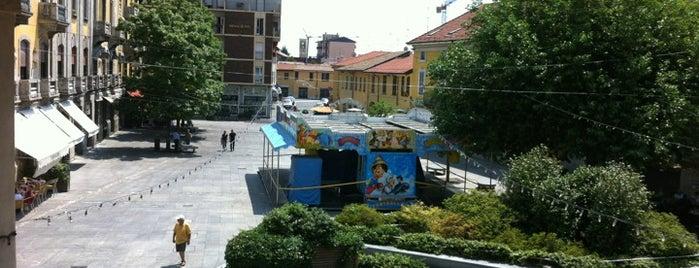 Piazza Liberazione is one of Magenta 1/2.