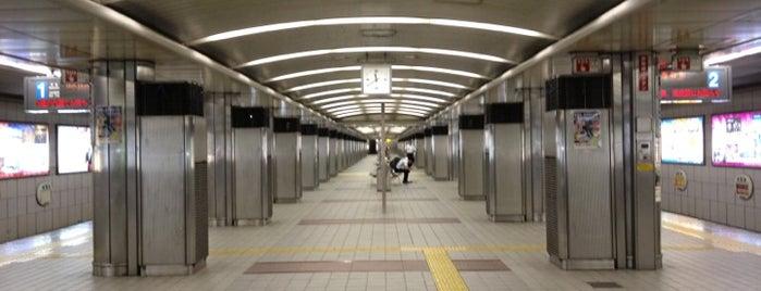 Namba Station (Y15) is one of 大阪市営地下鉄 四つ橋線.