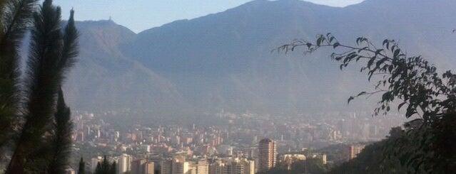 Los Samanes is one of Plazas, Parques, Zoologicos Y Algo Mas.