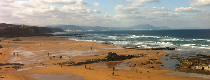 Playa Atxabiribil / Arrietara Hondartza is one of let's get Bilbao's badge (Spain) #4sqCities.