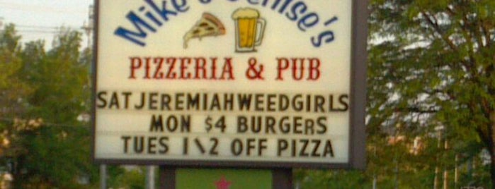 Mike & Denise's Pizzeria and Pub is one of Official Blackhawks Bars.