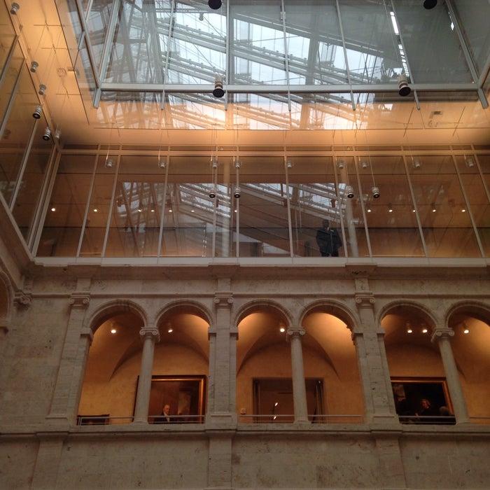 Photo of Harvard Fogg Museum