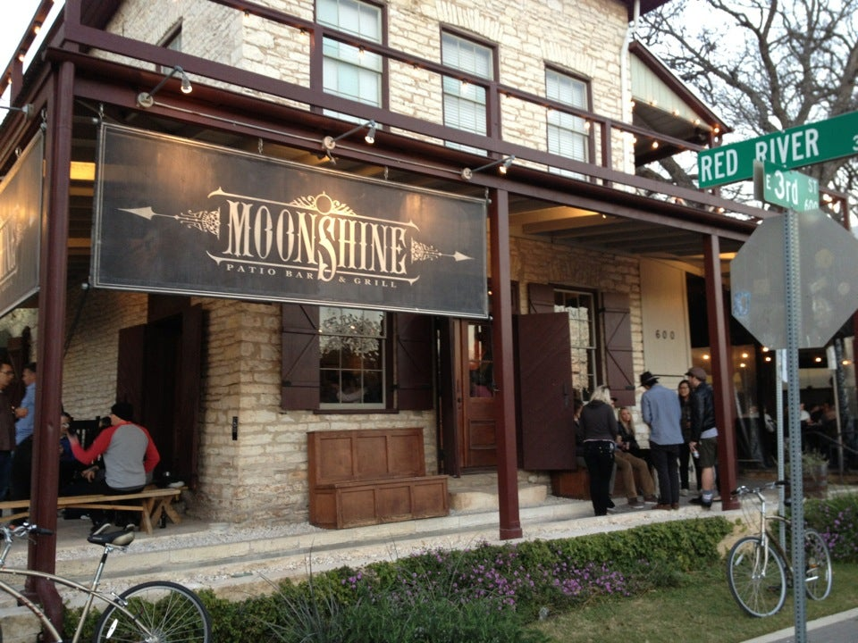 Moonshine patio bar grill american restaurant 303 for Balcony bar restaurant