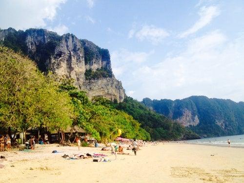 หาดอ่าวนาง (Ao Nang Beach)