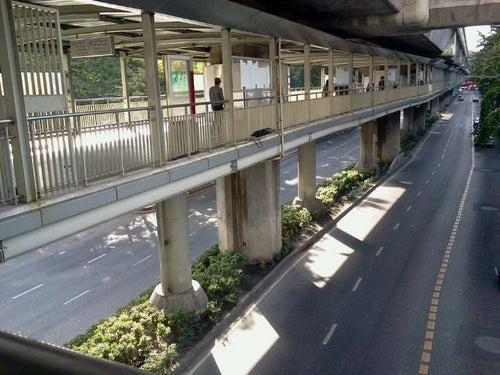 Ratchaprasong Skywalk (ทางเดินยกระดับราชประสงค์)