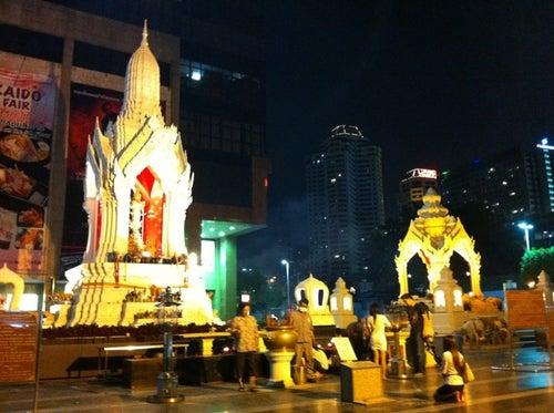 ศาลพระพิฆเนศวร และ ศาลพระตรีมูรติ (Ganesha and Trimurti Shrine)
