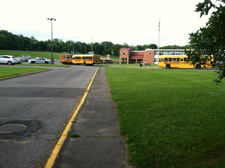 Lakeland School District,bad food,frisbee