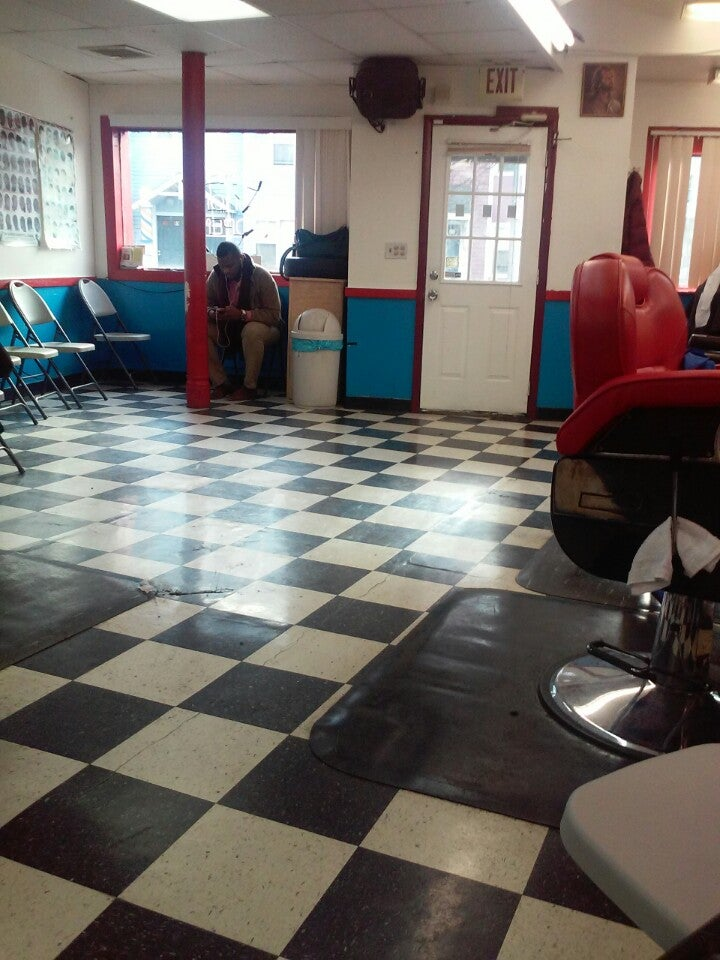 Richard's Barber Shop,