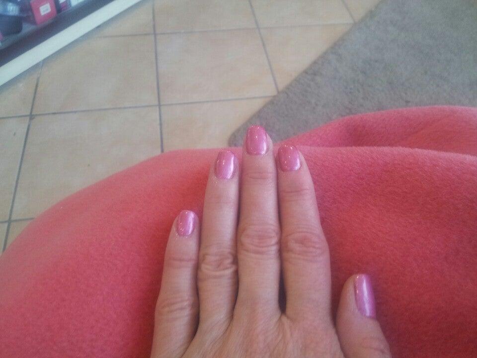 T Nails,