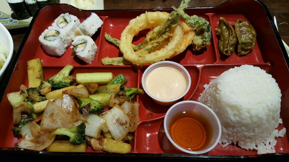 Totto Sushi & Grill,