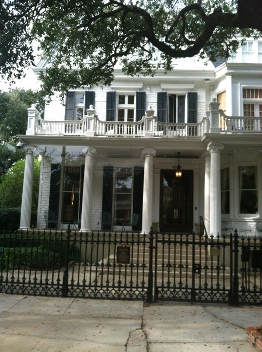 Reviews Of Kid Friendly Attraction Garden District Walking Tour New Orleans Louisiana Minitime