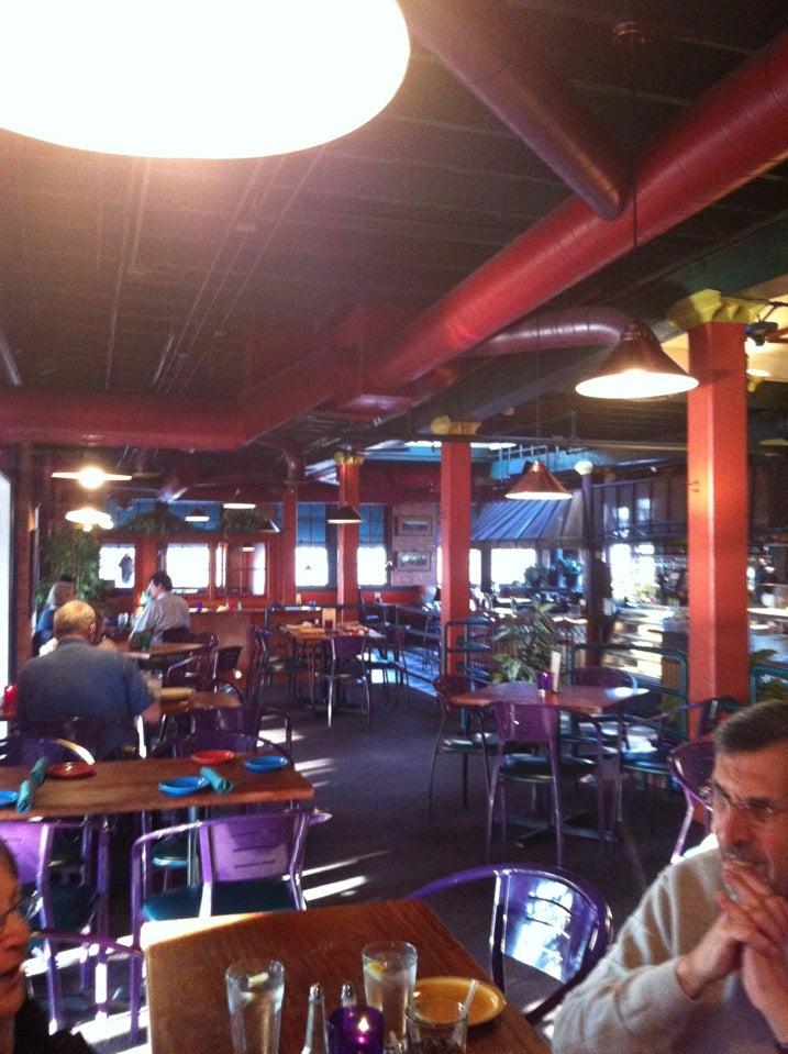 Pomodoro Grill Inc,cafe,italian food,resertaunt,restaurant,restaurant,cafe,pizza,tomato,tomato