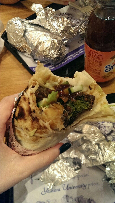 Golan Heights Llc,falafel,falafel pita,hummus