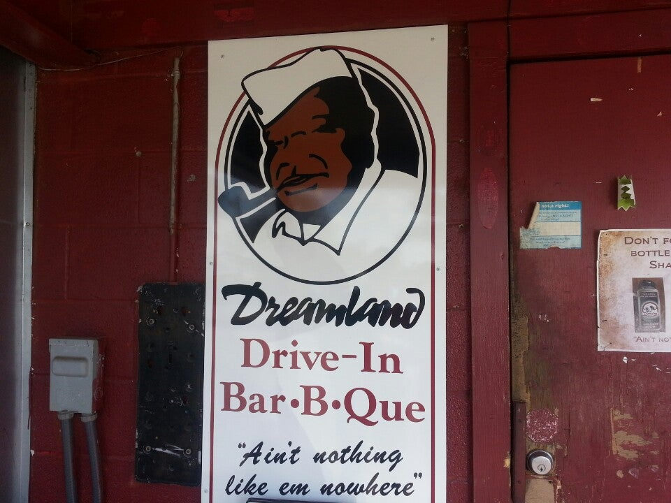 DREAMLAND BAR-B-QUE, alabama, bbq, famous restaurant, restaurant, tuscaloosa,barbeque,bbq ribs,on the bones