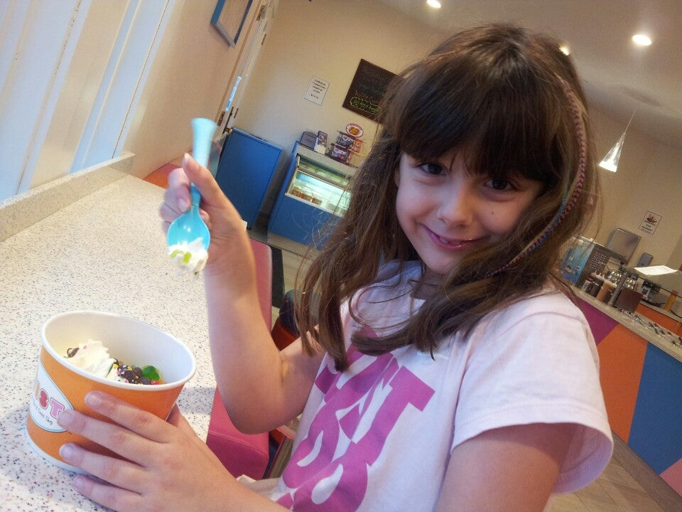 Twist Frozen Yogurt Bar Inc,