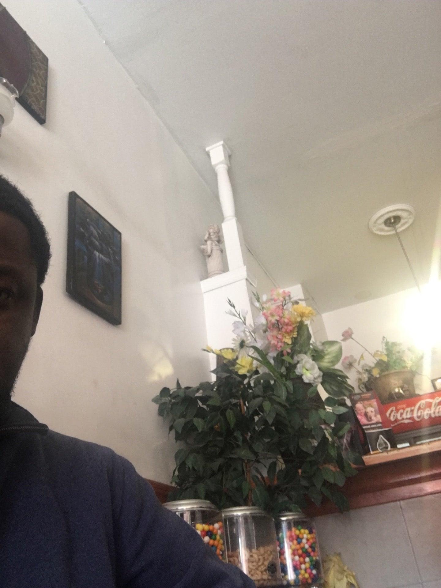 Port Prince Restaurant,haitian food, griot, banane peze, du riz, good food