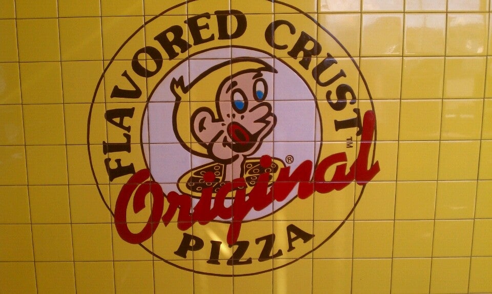 Hungry Howie's Pizza & Subs,flavored crust,good food,good pizza,wings