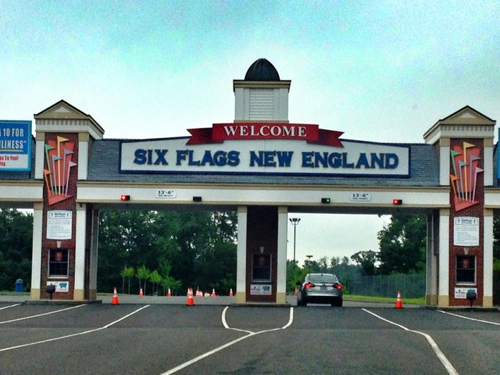 photos of kid friendly attraction six flags new england. Black Bedroom Furniture Sets. Home Design Ideas