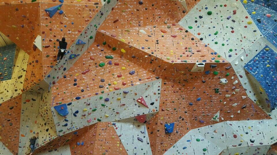 Stone Summit,bouldering,climbing,gym,pro shop,rock climbing,spinning,yoga