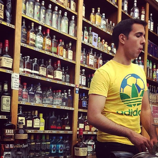 Casa Oliveira Wines & Liquors