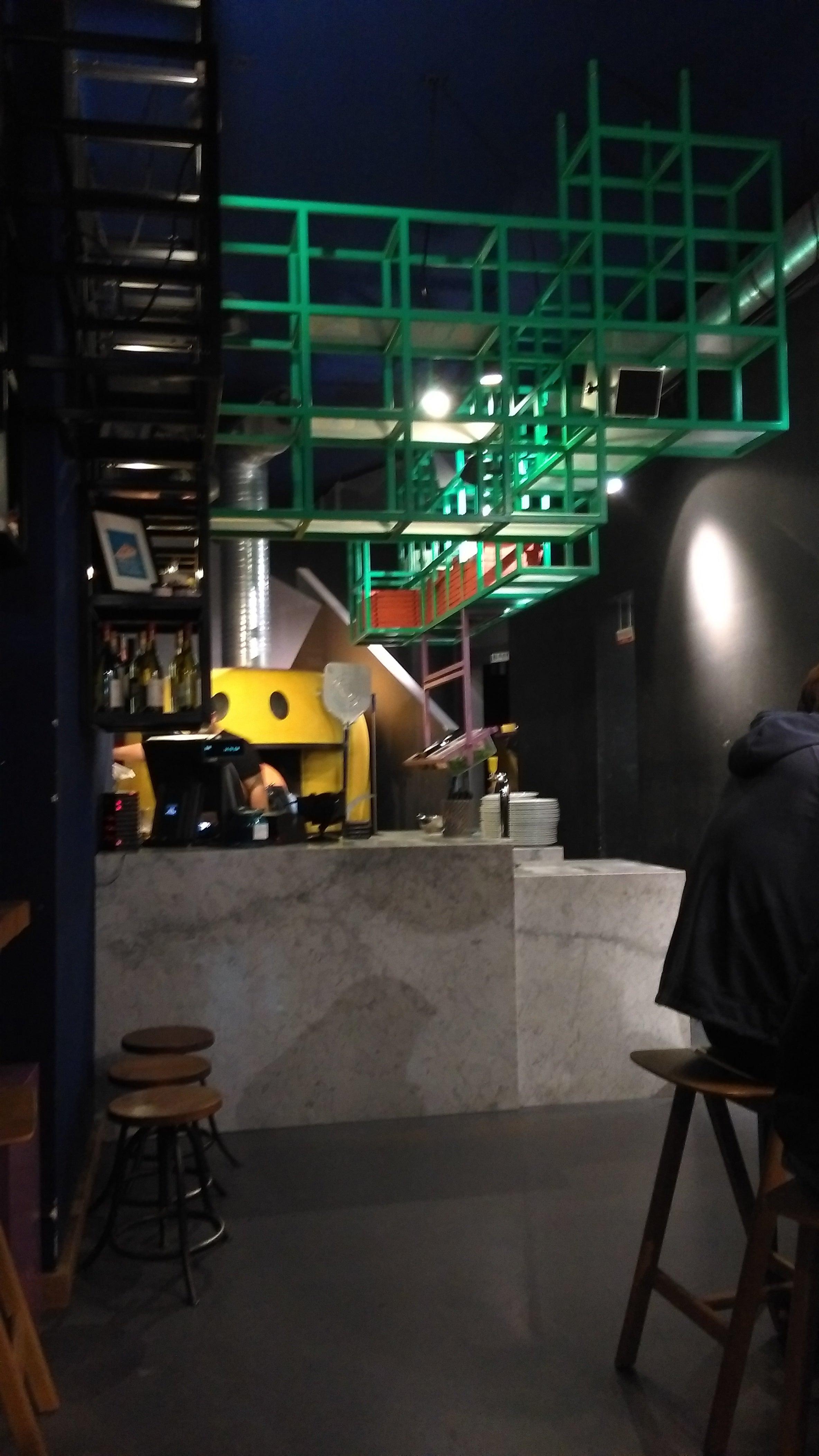 bilder zu pizzeria montana in frankfurt auf. Black Bedroom Furniture Sets. Home Design Ideas