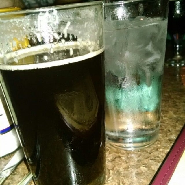 Olde Peninsula Brewpub,beer,brewery, casual dining, bar, local,wings