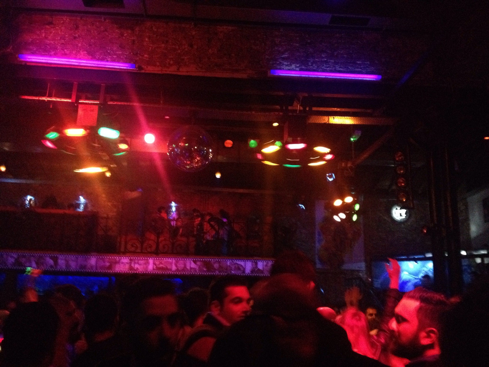 Retro Metropole Club
