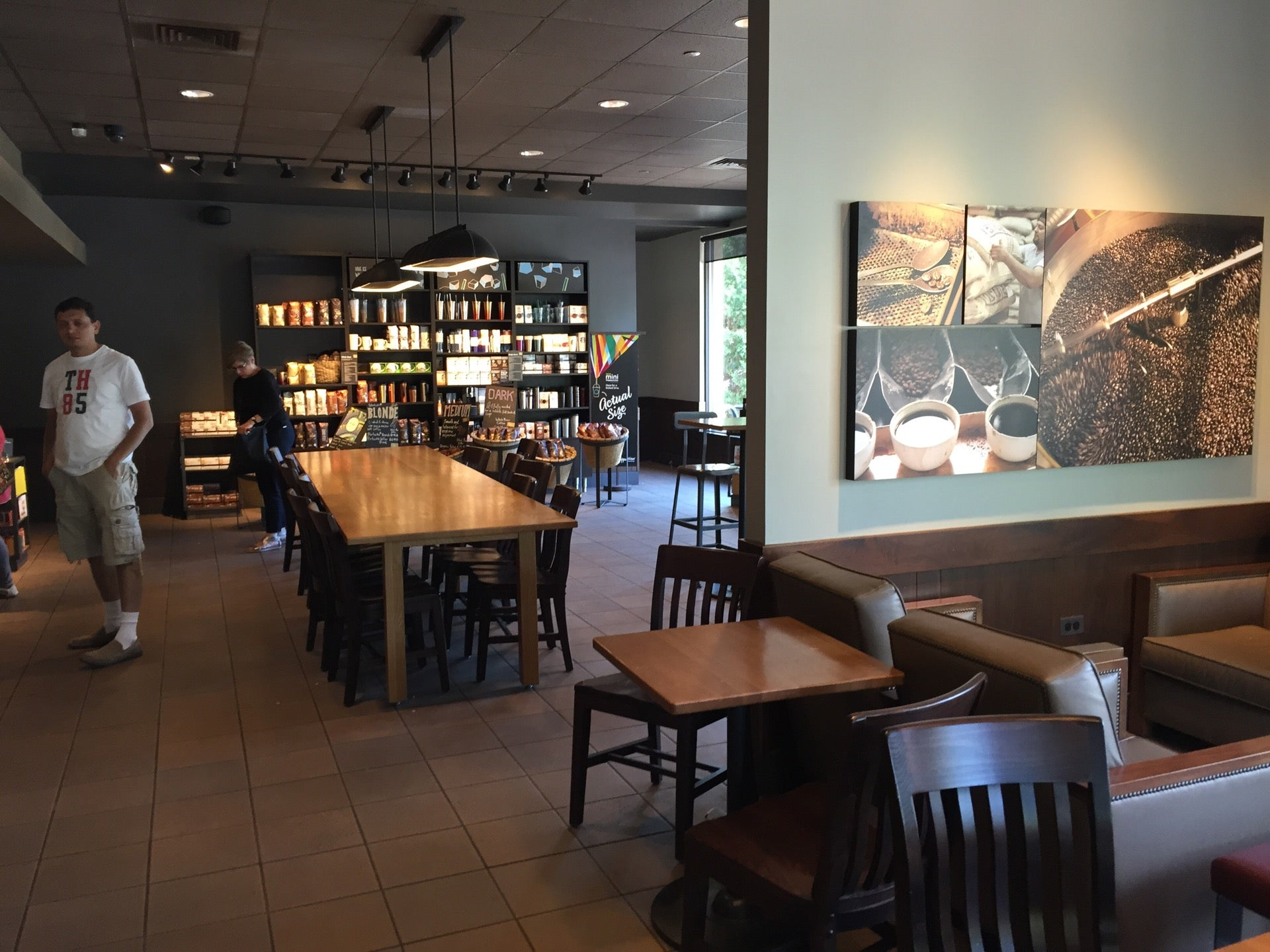 Starbucks Coffee,baked goods,coffee,wi-fi