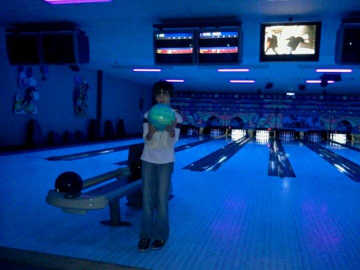 Family Bowlaway,bar,bowling