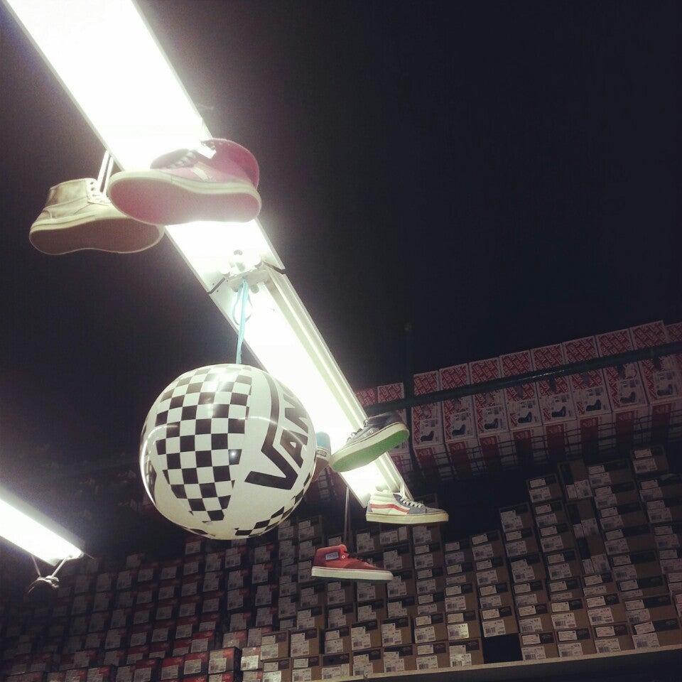 00654c78ebd4 Vans на Сокольнической, отзывы о спортивных магазинах Москвы, адрес ...