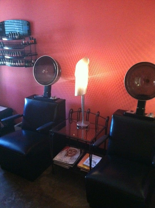 Robert Severo Signature Salon, private room spa pedicure,blow dry bar,salon & day spa color focused,skin care