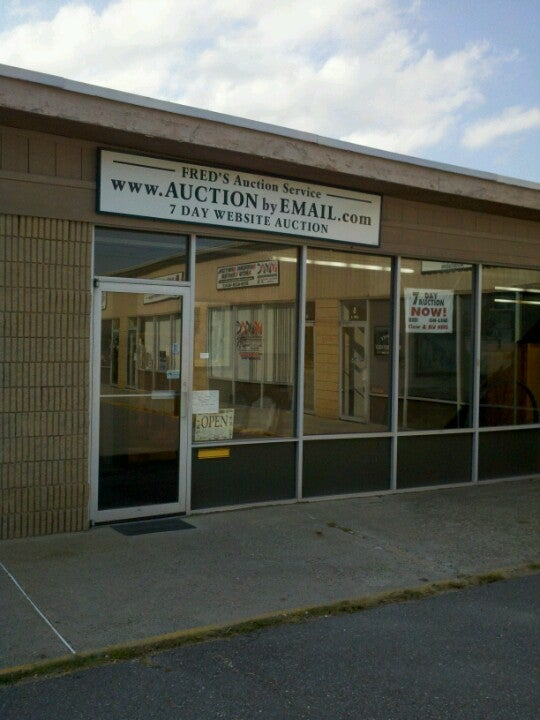 Fred's Auction Gallery,